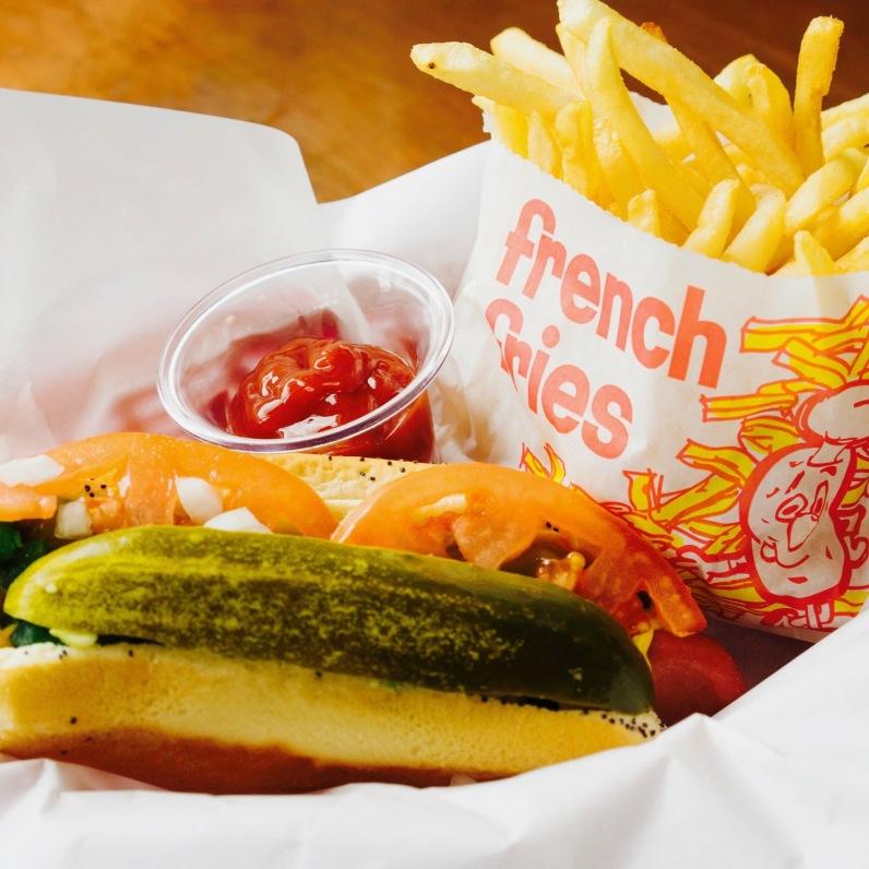 Hotdog w_ fries